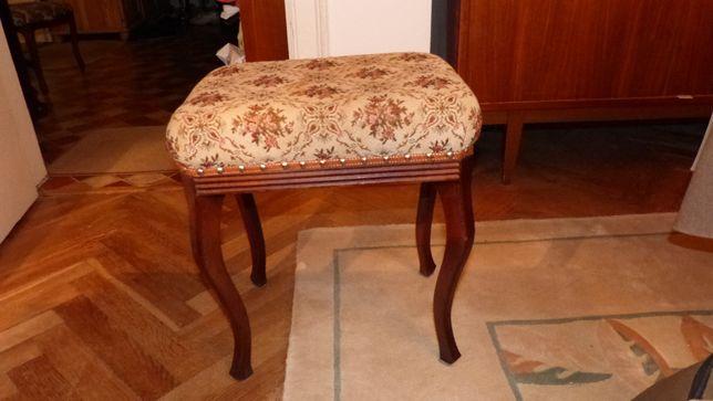 Krzesło brazowe