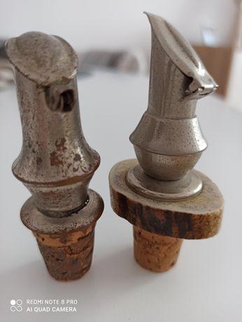 Dwa  stare korki