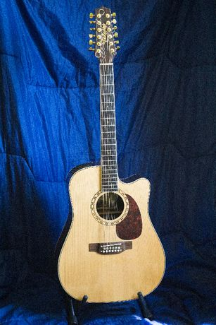 Takamine EF-400SC 12-strunowa gitara elektroakustyczna