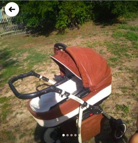Продам коляску 2в1 + пакет вещей для новорожденного