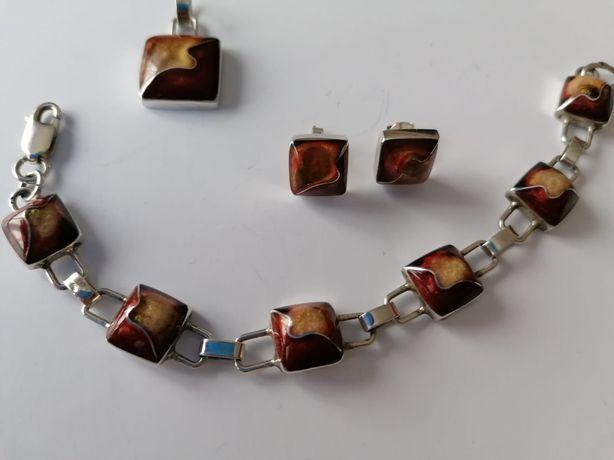 Piękny zestaw biżuterii.  Srebro plus bursztyn