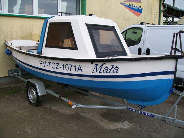 łódka z przyczepką