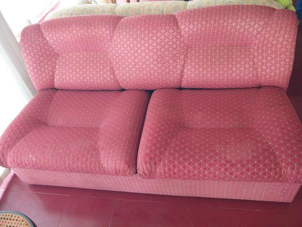 Conjunto sofás (2 lugares + 1 individual) com sofá cama