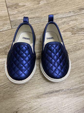 Продам дитяче взуття 21 розмір Gymboree