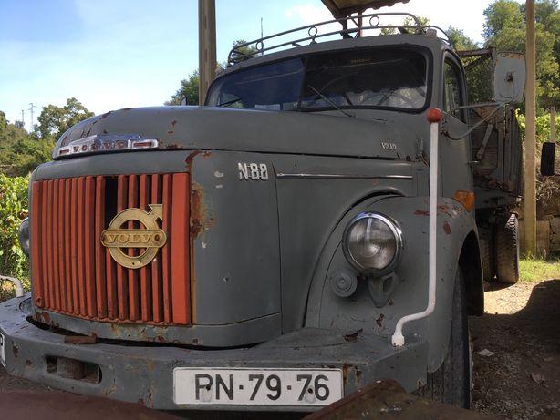 Camião Volvo N88