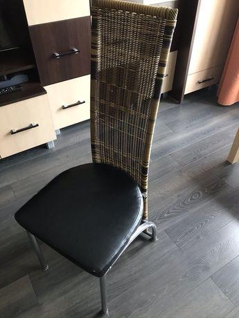 Krzesła krzesło posiadam 6 sztuk krzesl