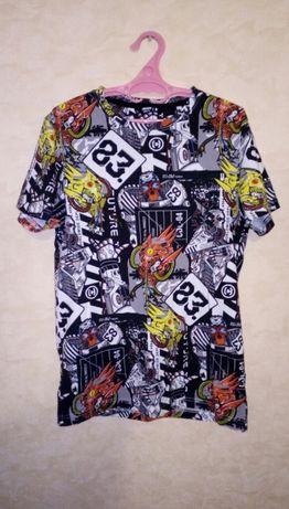 Крутая фирменная футболка Сropp на мальчика р. S (44-46)