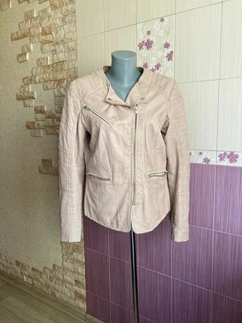 Кожаная розовая пудровая косуха куртка