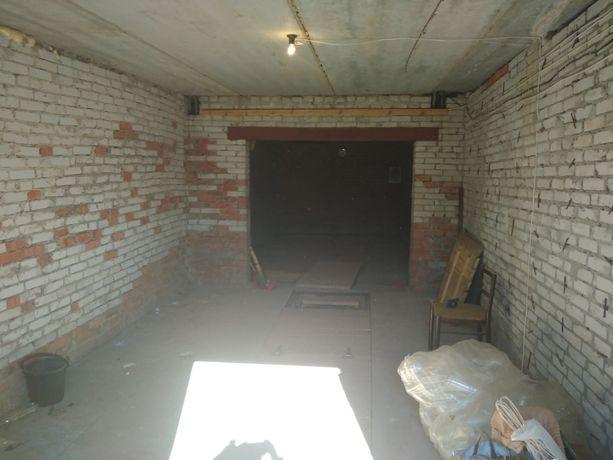 Продам ШИКАРНЫЙ гараж кооператив Лебединский