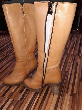 Buty na słupku z naturalnej skóry