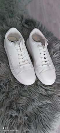Białe sneakersy rozm 41