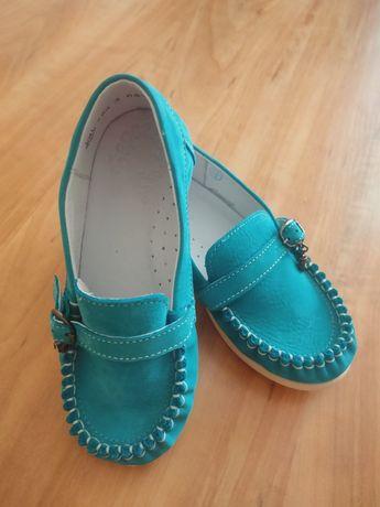 Новые туфли-лоферы для девочки