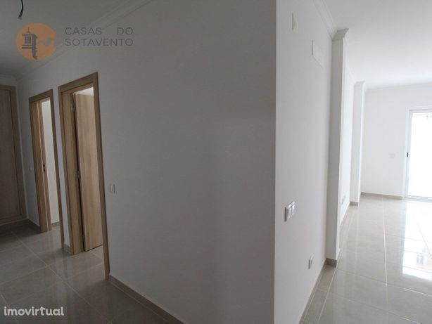 Apartamento T2 novo a 400 metros da praia de Monte Gordo