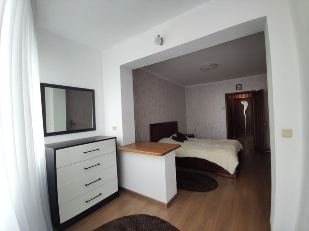 Продам 3-х кімнатну квартиру з хорошим ремонтом по вул. Фабрична