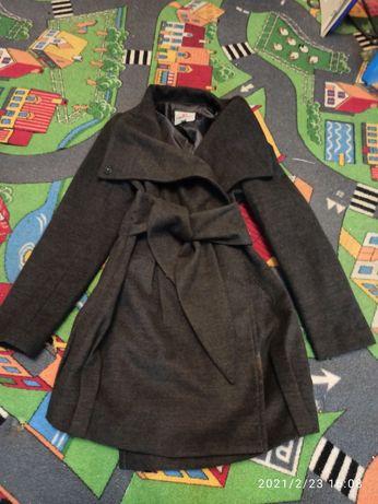 Пальто фирменное как новое торг