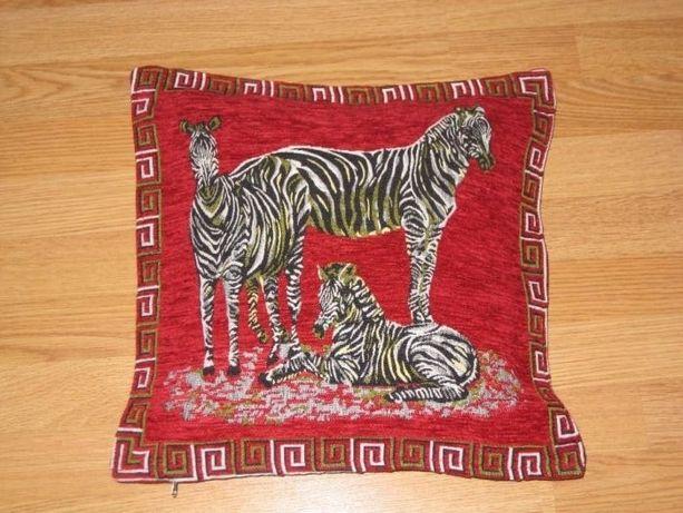 Декоративная наволочка с вышивкой на подушку.