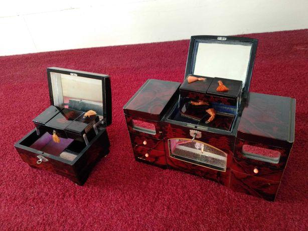 Caixa de jóias antiga com musica