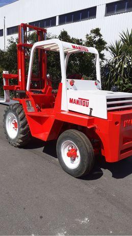Empilhador manitou MCI 25 de 2500 kgrs com deslocador lateral e balde