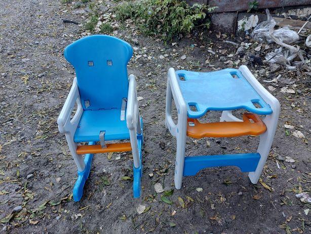 Для кормленния стульчик столик