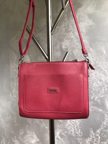 Różowa torebka / listonoszka Wittchen