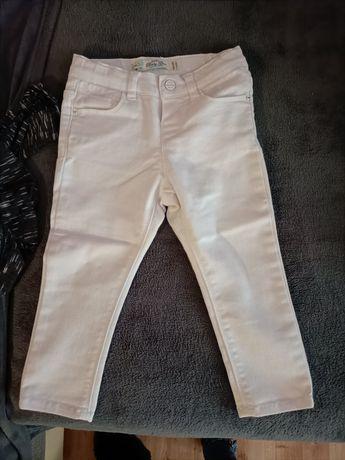 Sprzedam białe spodnie Zara 86