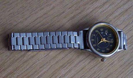 Oddam za darmo stary zegarek z bransoletką