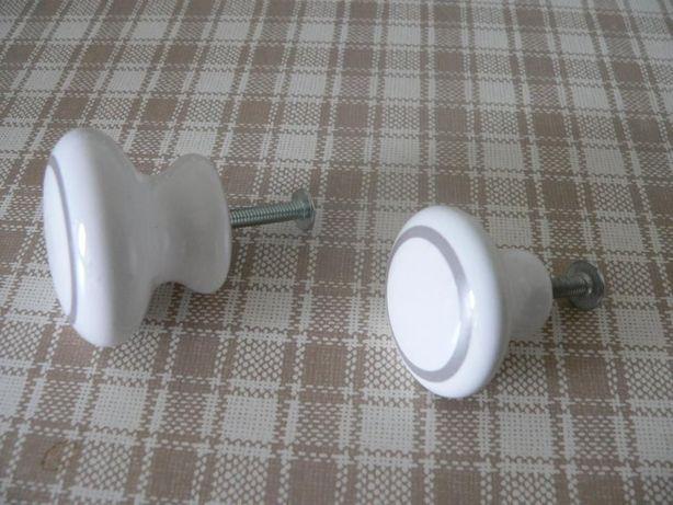 Puxadores em porcelana