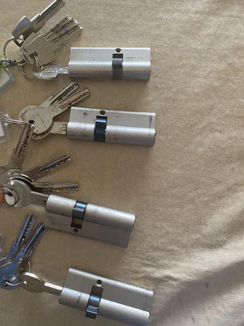4 Cilindros de chaves Iseo e Tesa com chaves