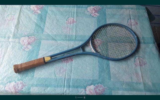 Продам ракетку большой тенис