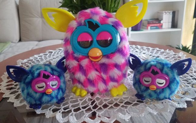 Furby Boom z malutkimi Furblings