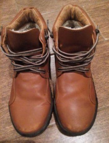 Ботинки/ кроссовки/ обувь( стелька 24-25 см).