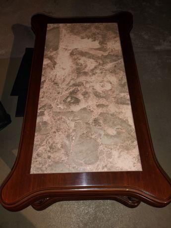 Conjunto mesas madeira com tampos mármore