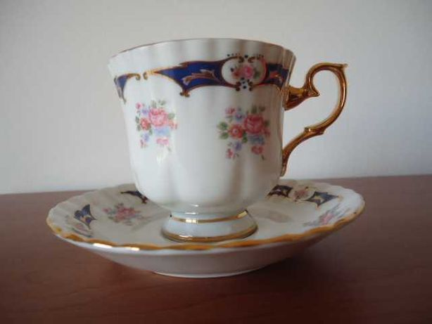 Chávena em porcelana