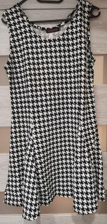 Sukienka wzór pepitka