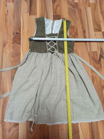 Шкільні блузки, юбки, плаття, футболки, шорти, джинси та інші речі.