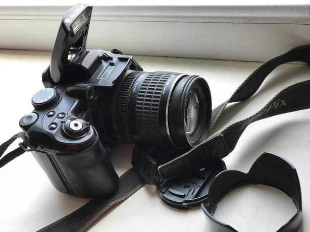 Продам фотоапарат FinePix S9500