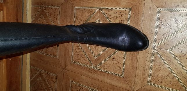 Срочно Продам сапоги кожа 37 размер