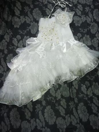 Нарядное бальное платья