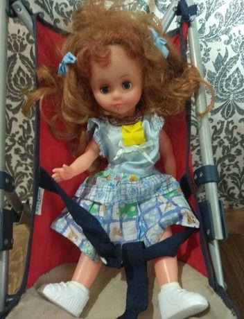 Каляска с куклой