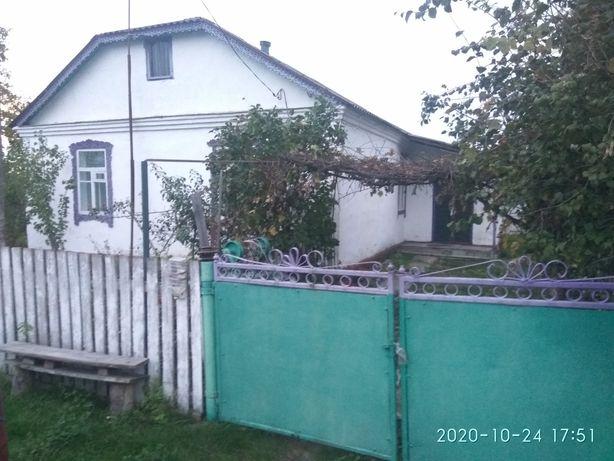 Будинок житловий, біля залізничної станції