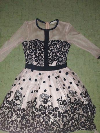 Платье нарядное. Размер 36.