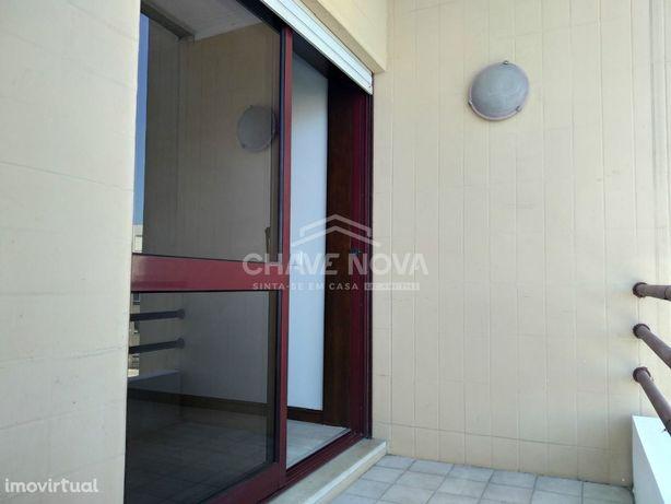 Apartamento T2 - Cidade da Maia , Urbanização dos Altos