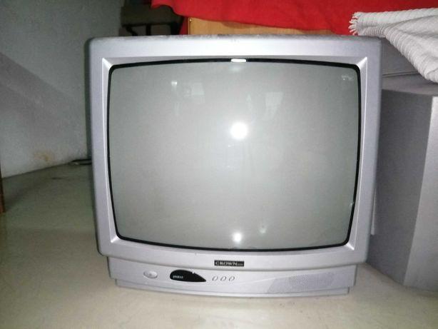 Televisor Crown em bom estado