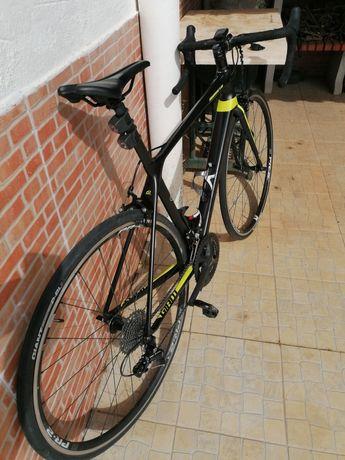 Bicicleta Estrada GIANT TCR - FULL 105