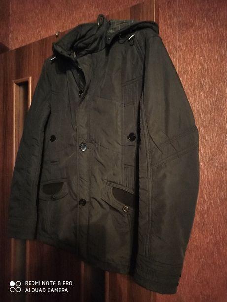 Продам подростковую куртку 46р
