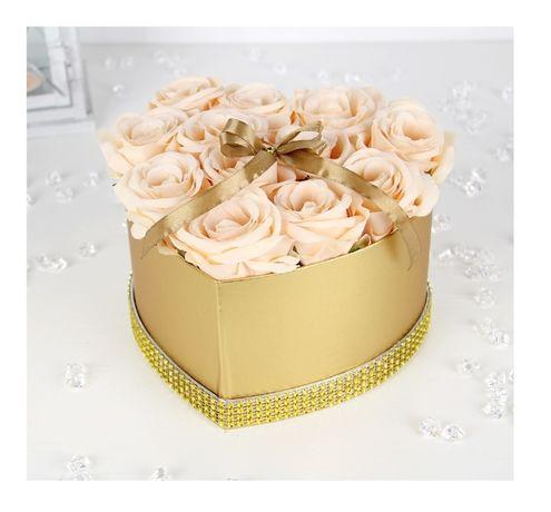 Bukiet 12x RÓŻ w złotym SERCU Flower Box na prezent Dzień BABCI