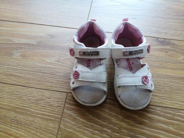 Sandałki dziewczęce 22