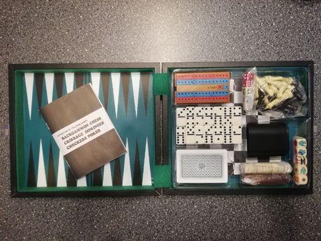 Nowy zestaw gier: backgammon, szachy, warcaby, cribbage, domino, poker