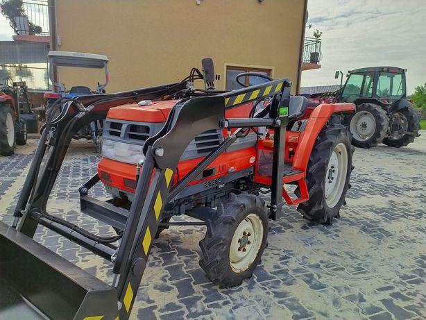 Mini Traktor Kubota Gl24 24km 4x4 z ładowaczem czołowym . Wspomaganie