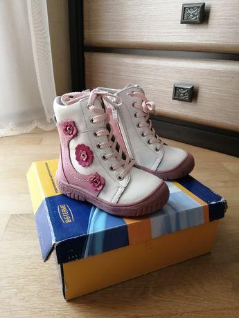 Нові зимові шкіряні чобітки на дівчинку